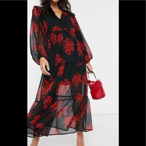 Floral maxi dress with balloon sleeves.